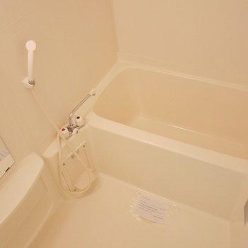 浴室乾燥付いてます。※写真は9階部分の別室です。