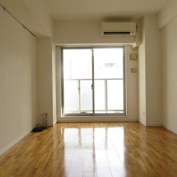 家具の配置もしやすそう。※写真は10階同間取り・別部屋のものです。