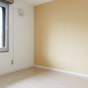 洋室は寝室として使えます。