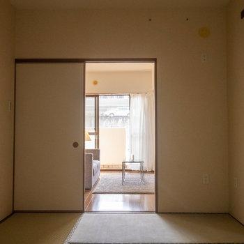 【和室】LDKからの光も享受することもできます。※写真は1階の同間取り別部屋のものです