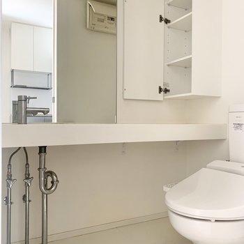 洗面台は横幅があります