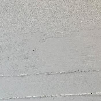 【ディテール】天井の手塗りも雰囲気を出してくれています。