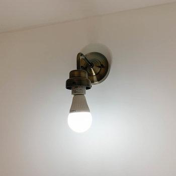 【ディテール】各所に配置されてる電球もキュート。