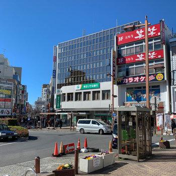 お店も多く、商店街もありました。生活も便利そうです。