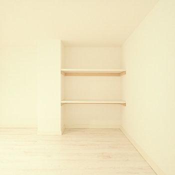 ロフトの収納です。本棚にしようかな。※写真は1階同間取り・別部屋のものです。
