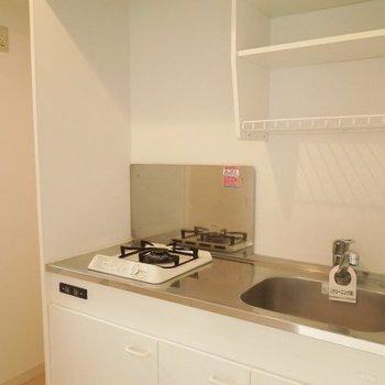 1口コンロのキッチン※写真は3階の同間取り別部屋のものです