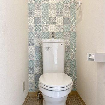 お手洗い。個性的なデザインです。