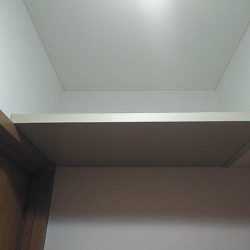トイレの上には収納棚があったよ