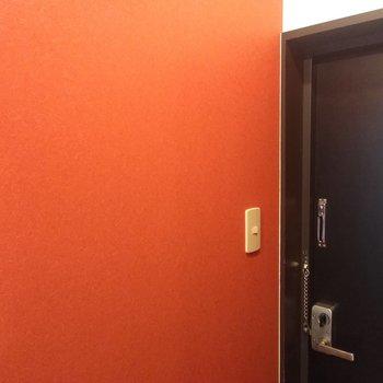 玄関にもオレンジクロス◎