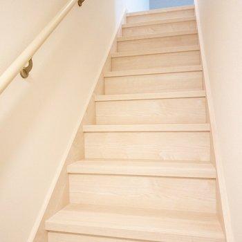 お部屋までの階段です。