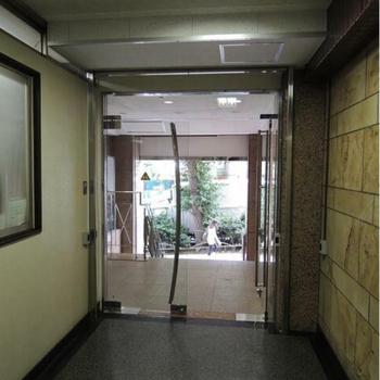 建物入口はこちら。