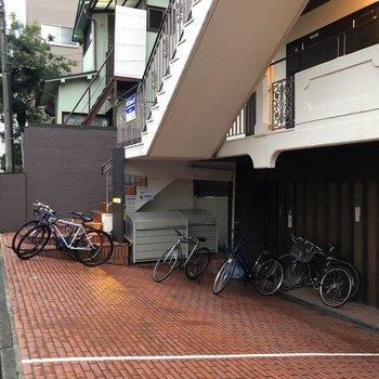 駐輪スペースも有ります。