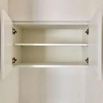 トイレ上の収納にはトイレットペーパーなどを置きましょう ※写真は8階の同間取り別部屋のものです