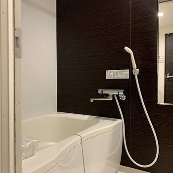 浴室乾燥機と追焚付きのお風呂。
