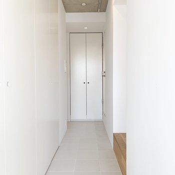 廊下までフラットな床になっています。