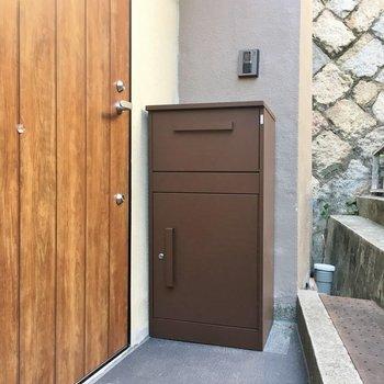 玄関ドアも新しくなりました。