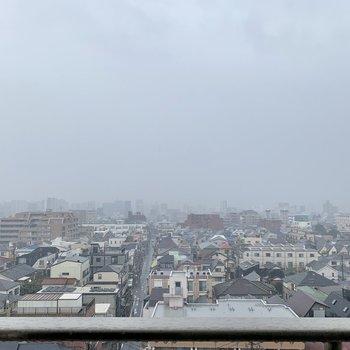 9階で、景色は抜けていますね。晴れの日は気持ち良さそうです。
