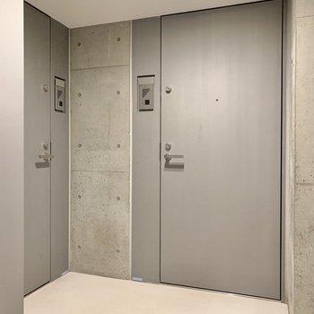 1フロア2部屋の共用部です。