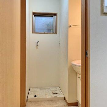 1階に水回りがまとまっています。※写真はクリーニング前のものです