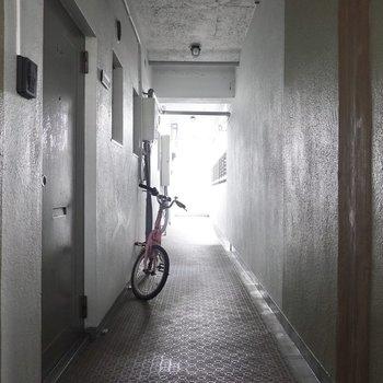 玄関前の共用部。