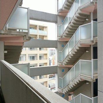 階段が連なる感じもいいな。