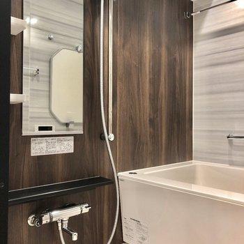 お風呂もステキ!浴室乾燥機付きですよ。※写真は9階の同間取り別部屋のものです