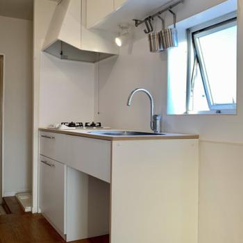 キッチンも大きめなのでお料理好きにも安心ですね!※写真は4階同間取りのもの使用