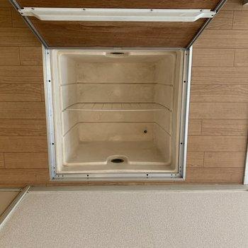 床下収納でした〜〜※写真は1階の同間取り別部屋のものです