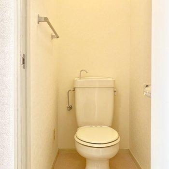 手洗い器がついてます※写真は1階の同間取り別部屋のものです