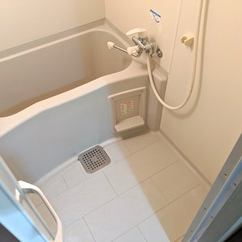 掃除しやすそうなお風呂◎ (※写真は6階の同間取り別部屋のものです)