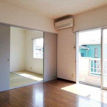 畳とフローリングのコントラストが◎※写真は2階の同間取り別部屋のものです