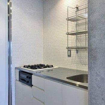 キッチンはこちら。※写真は1階の同一タイプのお部屋のもの