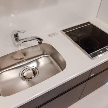 シンクボードを設置すると調理スペースが確保できます。※写真は5階の同間取り別部屋のものです