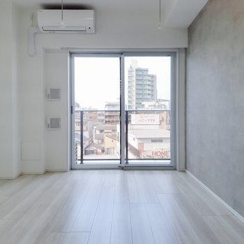 これぞシンプリシティー。※写真は5階の反転間取り別部屋のものです