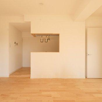 カウンターキッチンが!お話しながら食卓を彩って※写真は似た間取りの別部屋です