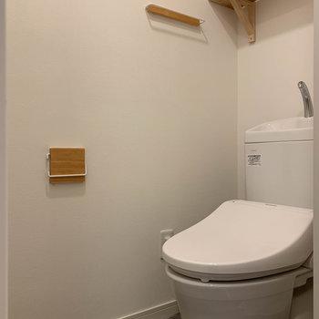 温水洗浄便座付きのトイレです!※写真は工事中のものです。