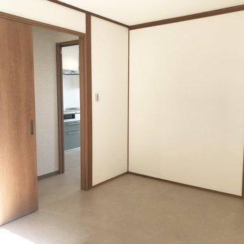【洋室6帖】ズバリ寝室ですね。