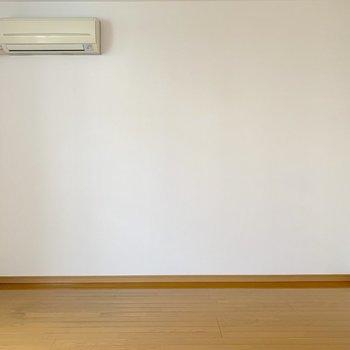 向かいの壁も壁寄せで家具を置きやすい◎