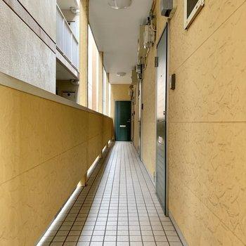 共用廊下はスッキリしています◎