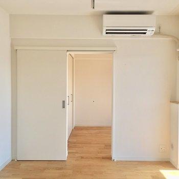 【LDK】こちらからお隣のお部屋へ。