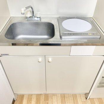 料理の下準備はキッチン近くに台を置いてするといいですね