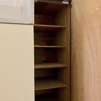 容量が足りなければコンパクトなシューズボックスを用意するか、この際に断捨離するのもありかも?