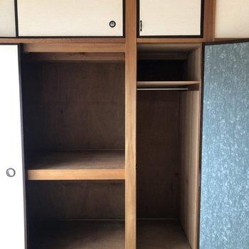 和室の収納はなかなかの広さ、洋服をかけて収納できます。※写真は前回募集時ものです