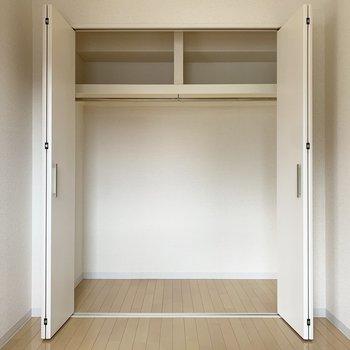 【洋室4.0帖】だ、だ、大容量〜!※写真は1階の同間取り別部屋のものです