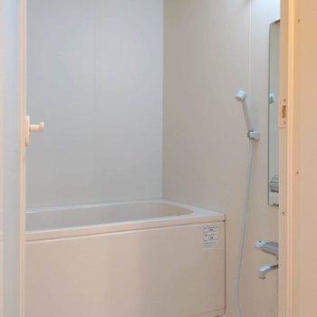 浴室はゆったりスペース。