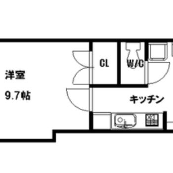 洋室は9.7帖とすこしゆったりめ。ひとり暮らしにちょうどいいサイズ感◎