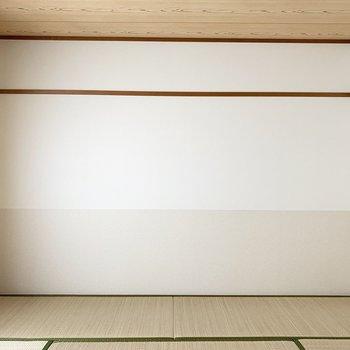 【和8】い草のいい香り!壁がバイカラーで素敵。