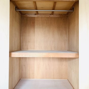 【LDKの収納】ハンガーラックからはボックス型の収納などを吊るして、上手に使いたい!