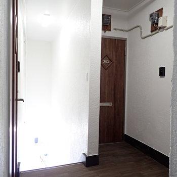お部屋は右奥です
