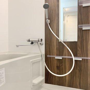 浴室乾燥機も付いていますよ※写真は3階の同間取り別部屋のものです